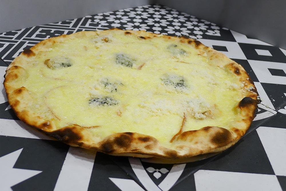Pizzeria la Lievita pizza a domicilio e da asporto 4 formaggi