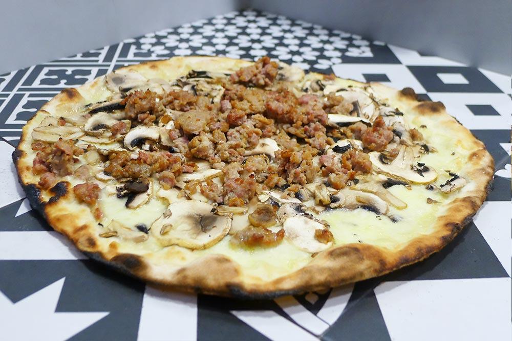 Pizzeria la Lievita pizza a domicilio e da asporto boscaiola