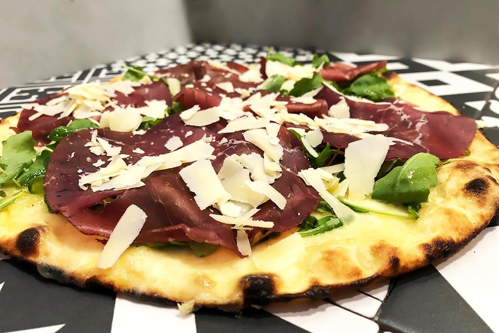 Pizzeria la Lievita pizza a domicilio e da asporto bresaola, rug