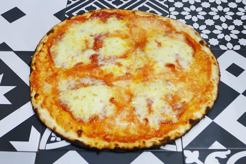 Pizzeria la Lievita pizza a domicilio e da asporto diavola