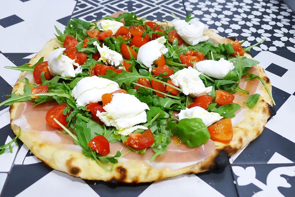 Pizzeria la Lievita pizza a domicilio e da asporto schiacciata tricolore