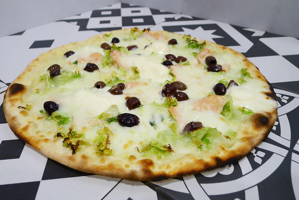 Pizzeria la Lievita pizza a domicilio e da asporto salmone a modo nostro