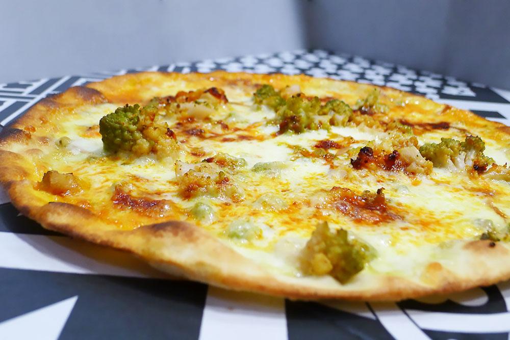 Pizzeria la Lievita pizza a domicilio e da asporto broccoli, nduja e provola affumicata