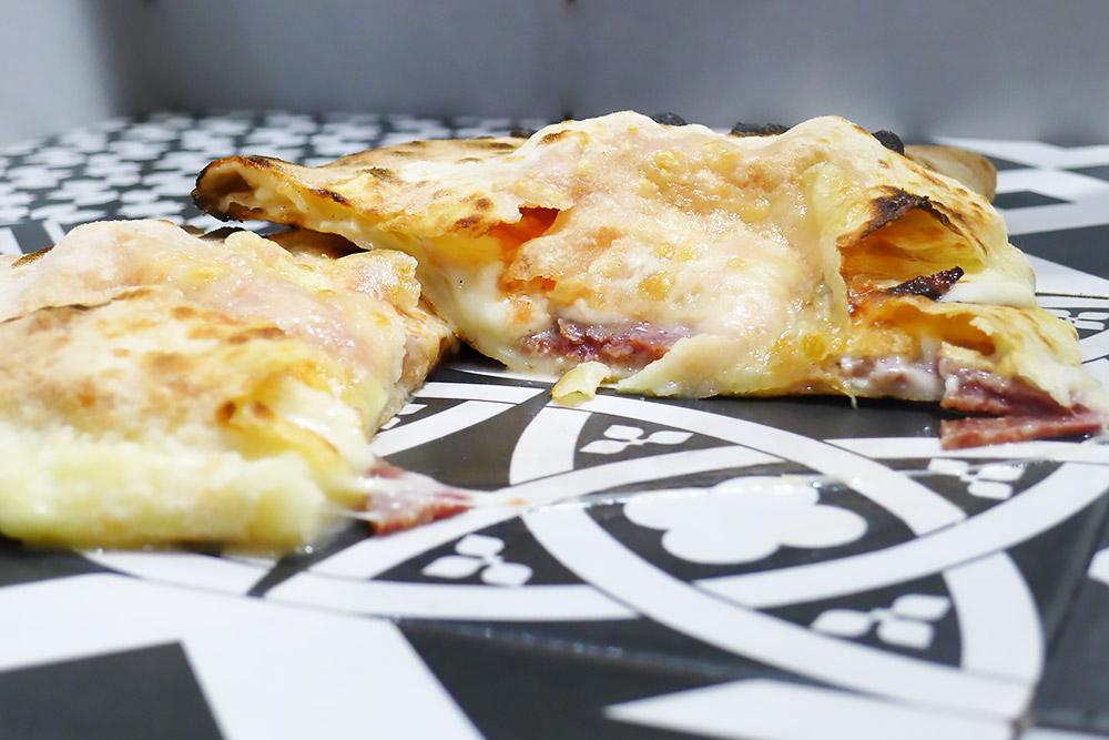 Pizzeria la Lievita pizza a domicilio e da asporto calzone napoletano