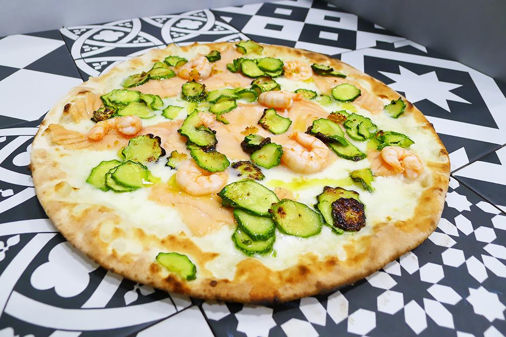 Pizzeria la Lievita pizza a domicilio e da asporto gamberetti salmone e zucchine